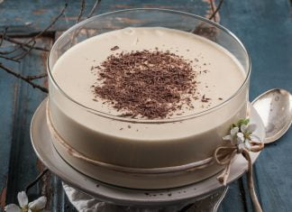mousse de chocolate branco e cafe