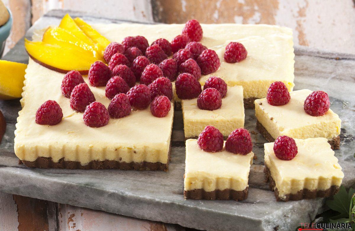 tarte de manga com frutos vermelhos