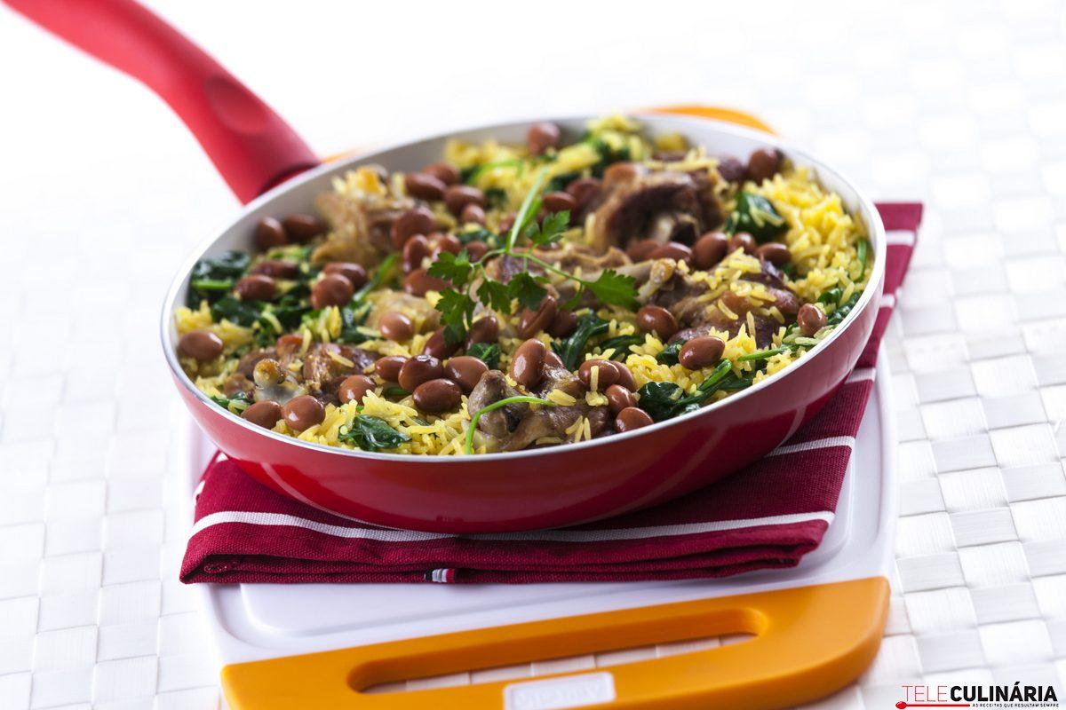 arroz de frango com espinafres e feijao catarino