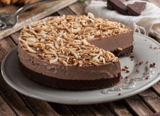 cheesecake de chocolate e amendoa