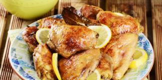 Coxas de frango com molho de limão