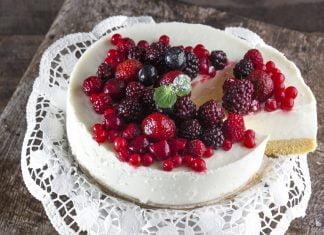 Semifrio com frutos silvestres