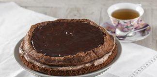 bolo de chocolate recheado com mascarpone