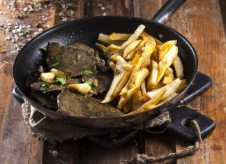 Iscas com batatas fritas