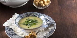 sopa creme de alhos franceses