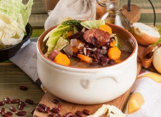 sopa de feijão vermelho e couve lombarda