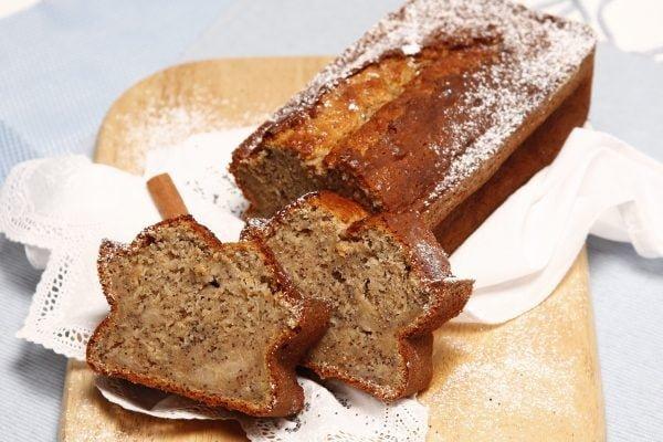 bolo de banana e canela com sementes