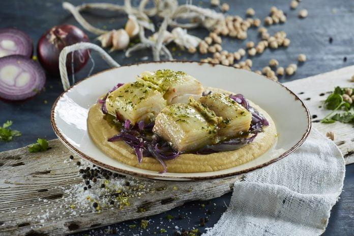 Bacalhau Confitado com puré de grão