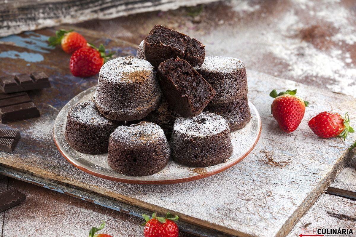 Bolinhos de chocolate alfarroba e morangos CHFB 11