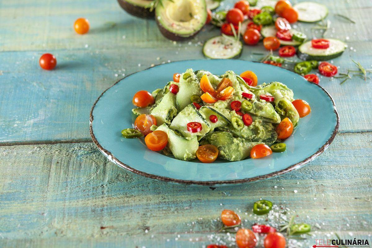 Macarrao de pepino com molho de abacate CHFB 5