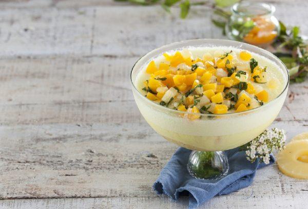 Semifrio de pessego e ananas