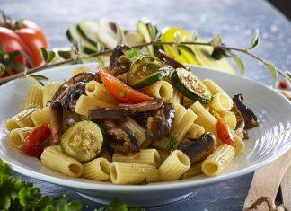 Massa com legumes grelhados
