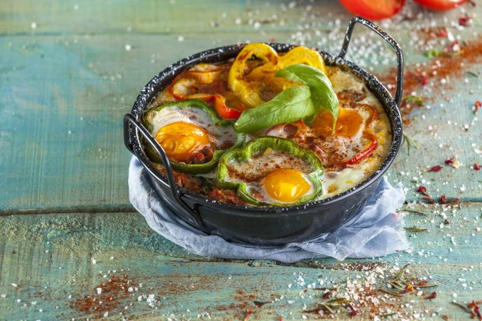 Legumes no forno com ovos