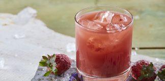 Mocktail de sumo de morango e ananás