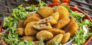 Rissois com pato com salada verde CHLM 9