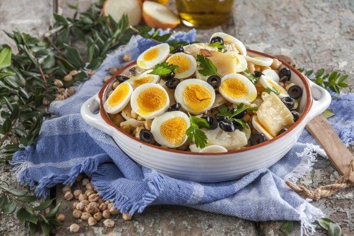 Salada fria de bacalhau com grao CHML 9