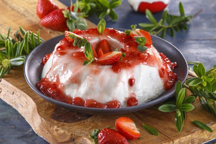 Pudim de iogurte grego com calda CHLM 7