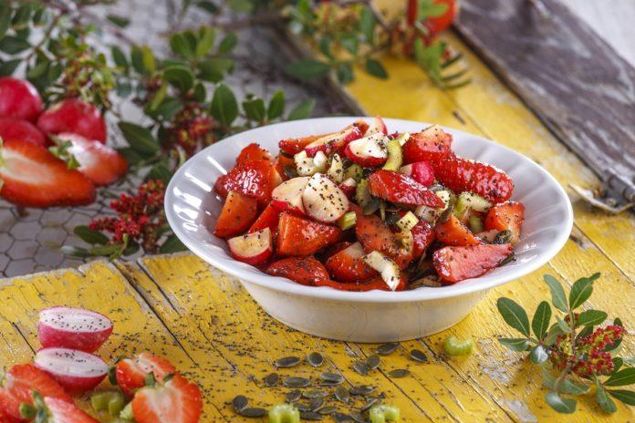 Salada de morangos com rabanetes CHSB 21