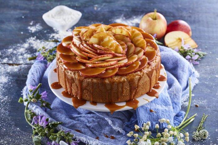 Bolo de maçã e caramelo - @TeleCulinária