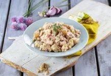 Salada de camarão batata nozes