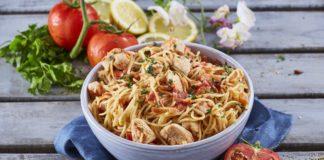 Frango guisado com esparguete CHMM 3