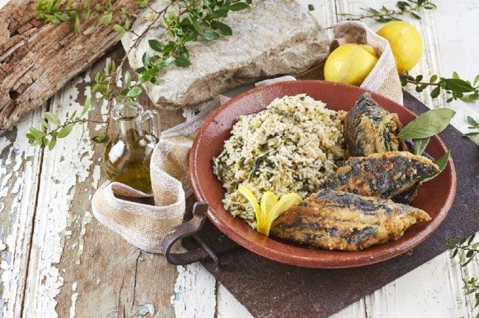Peixe-espada-frito-com-arroz-de-grelos