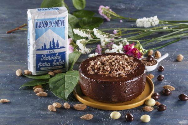 Bolo de amendoas com cobertura de chocolate LUSITANA