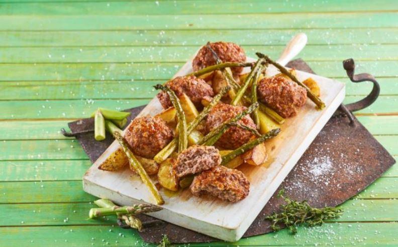 Picadinho de forno com batatas e espargos 1