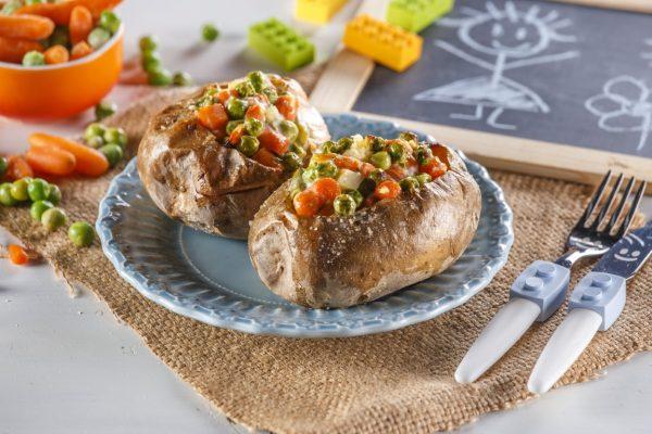 Batatas assadas com legumes e iogurte CHPF 14 Medium