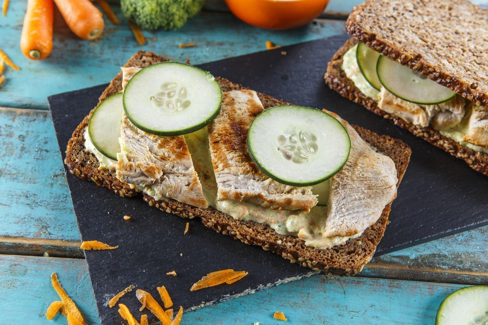 Sanduiche de peito de frango com legumes CHPF 16 Large