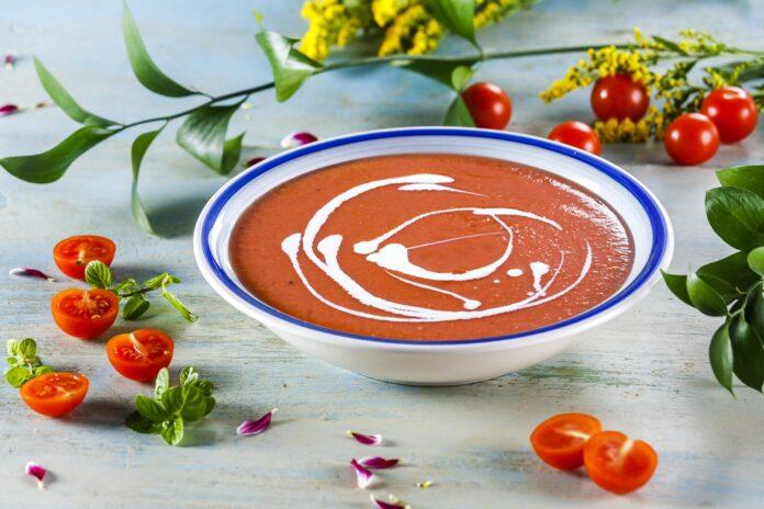 Sopa fresca de tomate com iogurte CHPF 14 Large
