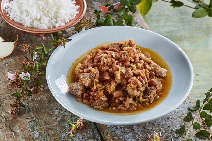 Carne guisada com feijão e couves -@Teleculinaria