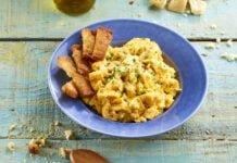 Ovos mexidos com queijo e pão d´alho torrado - @TeleCulinária