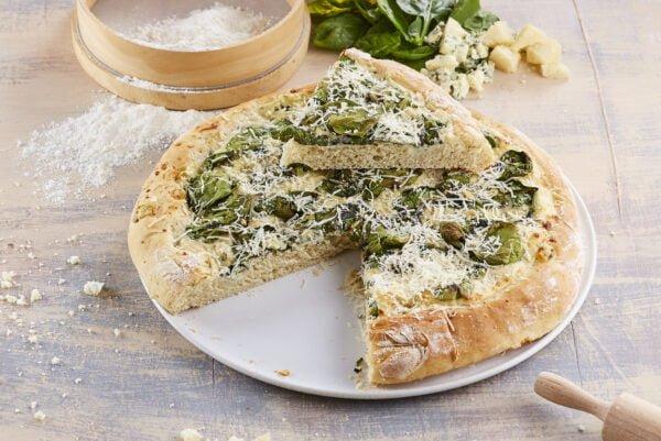 Pizza branca de espinafres e queijo azul -@Teleculinaria