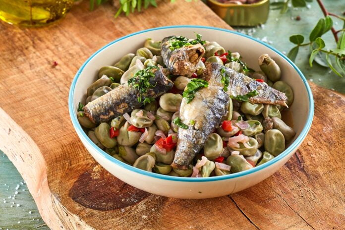 Conserva de sardinhas com favas