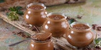 Creme de chocolate e café