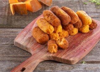 Croquetes de abóbora e queijo