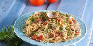 Esparguete de berbigão e anchovas