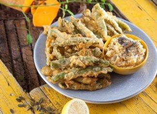 Peixinhos da horta com molho de abóbora