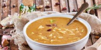 Sopa tradicional de feijão encarnado