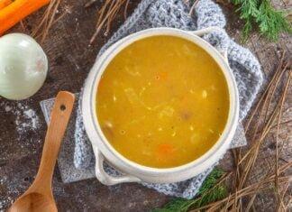 Sopa de legumes com couve-lombarda