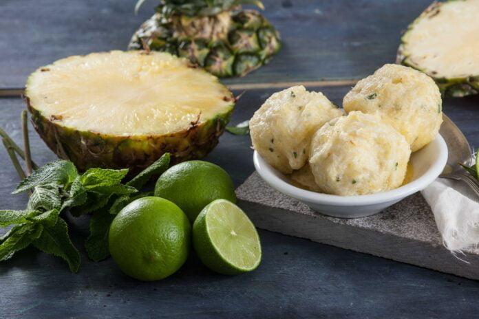 Sorvete de ananás e hortelã