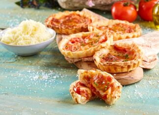 Tarteletes de tomate e queijo manchego